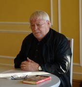 Dr. wolfgang Wessig liest beim Hoyerswerdaer Kunstverein