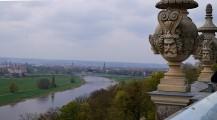 Blick vom Lingner-Schloss auf die Elbe