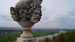 Blick von der Dach-Terrasse am Lingner-Schloss auf die Stadt Dresden