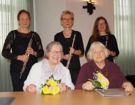 Barbara Kegel und Helene Schmidt, vorn, Petra Voigt, Angela Ladewig und Sabine Kegel. (hinten, von links)