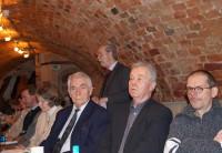 Heinz-Dieter Tempel zur Jahreshaptversammlung des Kunstvereins 2013, vorn links.