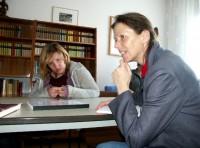 Karin Großmann (rechts) 2006 in der Reimann-Begegnungsstätte