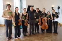 Musikstudenten aus Leipzig mit FP Fram Leiter des Sächsischen Musikbundes (links) und Reinhard Schmiedel (Mitte), Leiter der Gruppe Junge Musik